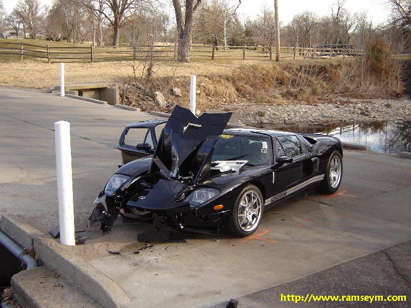 Ford Gt Just About Written Off By Crash Sybarites